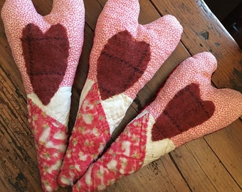 Primitive Valentine's Day bowl fillers~ Love~hearts~ prim decor~ Vintage Hand Stitched Quilt~ hand dyed wool~ Happy Valentine's Day~ pink