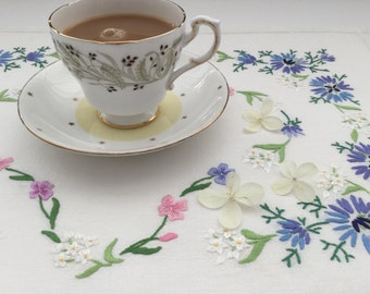 Vintage Tray Cloth - Hand Embroidered Linen - Floral Tray Cloth - Vintage Tea Party - Vintage Style Wedding - Handmade Table Linen