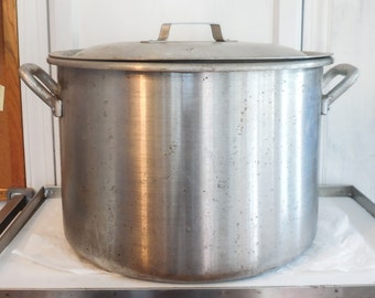 Aluminum Lobster Pot w/ Basket and Lid Holds 40 QTS (10 GALS)