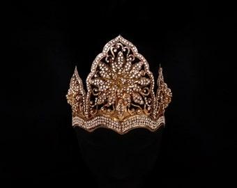 Vintage Indonesian Diamante-Encrusted Bridal Crown, Traditional Arabesque Gold Filigree Wedding Mahkota, Fairytale Princess Flower Headdress