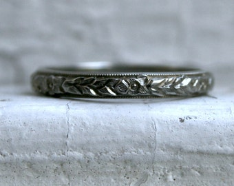 Great Vintage 18K White Gold Wedding Band by Belais.