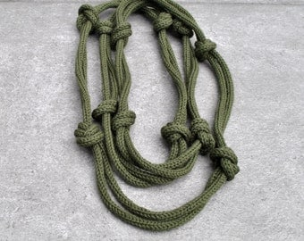 Textile necklace / knotted necklace / Green Necklace / For her / Wool fiber jewelry / winter fashion / Textile jewelry by Aliquid