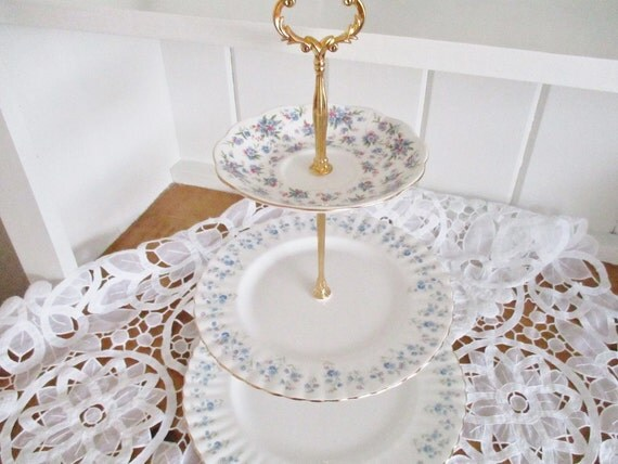 Royal Albert Memory Lane Cake Stand