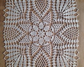 Doily Centerpiece Table Linen Home Decoration / Crochet  lace |Wedding Centerpiece | tabletop decor / Placemat /