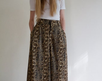 Snake culottes with high waist and pockets size small