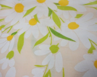 Full Size Flat Sheet Peach With Daisies