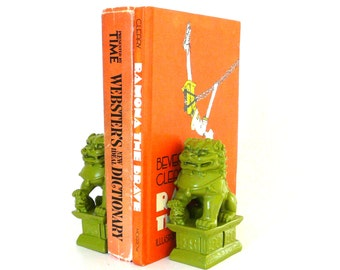 foo dogs, small bookends, mid century modern, chinoiserie, avocado green, 70s, bohemian