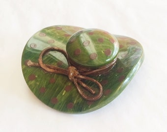 Vintage Bakelite Brooch, Marbled Green Polka Dot Hat Brooch, Creamed Spinach Bakelite.