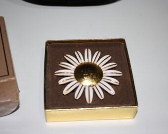 Daisy Pin, Vintage Avon Perfume Glace