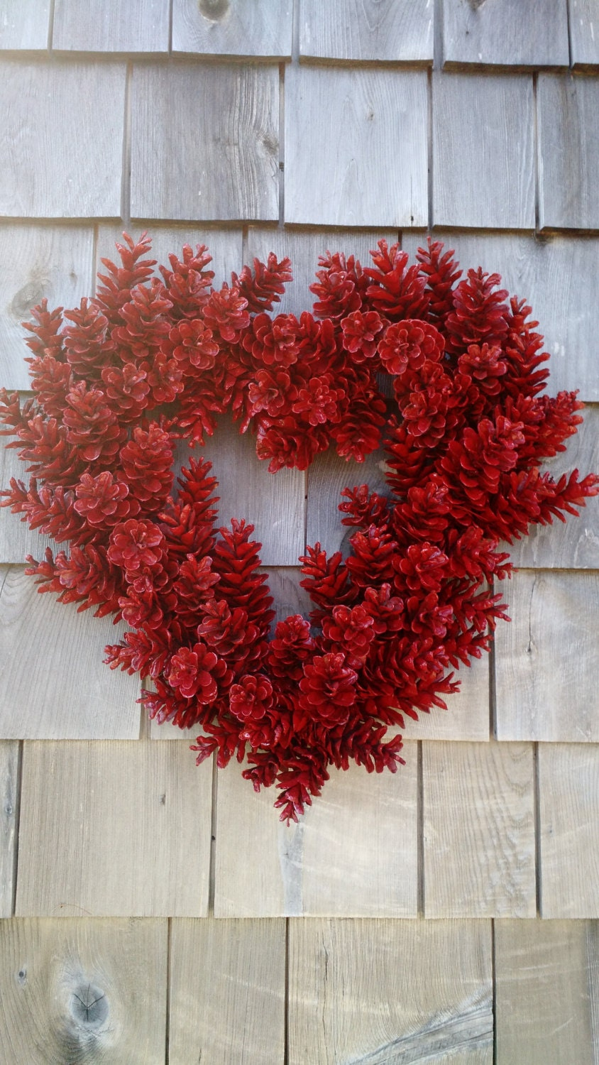 Valentines wreath love red heart pinecone