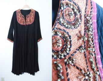 Vintage Hippie Boho Dress / Black / Tribal Ethnic Aztec Beaded Midi / Large