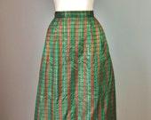 """Plaid Taffeta Skirt / Vtg 80s / """"Cathy B"""" Christmas Plaid Taffeta Skirt / Plaid Maxi / Hostess / Size 12 / Red Green Gold Plaid Skirt"""