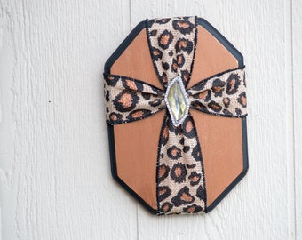 Cross wall hanging plaque cheetah