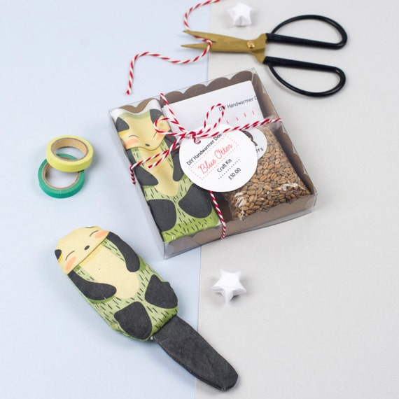 DIY Otter Handwarmer Doll Craft Kit (Blue)