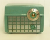 Nice, WORKS GREAT, Vintage Philco AM Tube Radio, Original Lovely Green Color - Vintage Home and Travel Trailer Decor