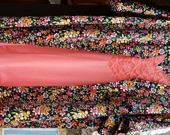 Vanity Fair  Kimono Short Robe floral Lingerie Lounge Robe 1970's