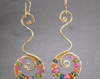 Hammered swirl earrings wrapped with tourmaline Luxe Bijoux 90