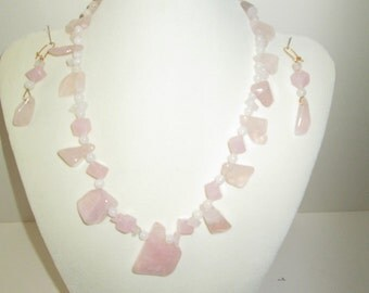 Necklace Playful Pinks quartz