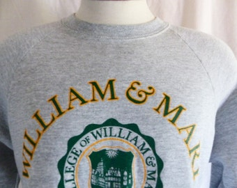 Go W&M Tribe vintage 80's College of William and Mary in Virginia heather grey fleece graphic sweatshirt green gold crest back front logo Md