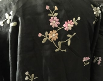 30s Vintage embroidered Silk Kimono Robe with Belt