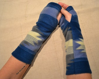Fingerless arm warmers.....fleece...
