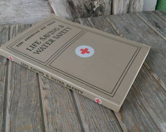 1971 The American Red Cross Life Saving & Water Safety 28th Printing