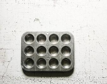 vintage mini muffin pan. baking pans. muffin tin. kitchenwares. gift for baker. gift for kids. kitchen pans. vintage kitchen. refugeca2015