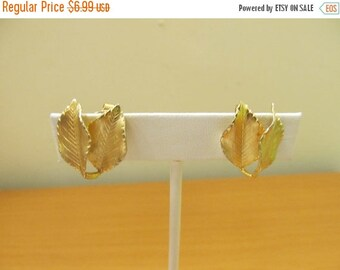 ON SALE GIOVANNI Gold Tone Double Leaf Earrings Item K # 2283