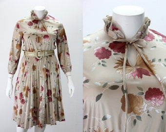 XXL Vintage Dress - Neutral Colored Floral w Long Sleeves