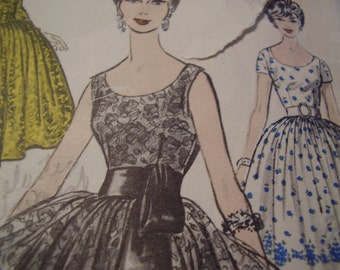 Vintage 1950's Advance 9279 Dress Sewing Pattern, Size 10, Bust 31