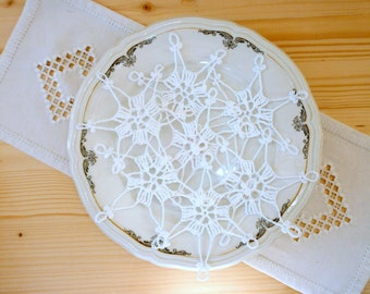 6 crochet snowflake ornaments, handmade Christmas snowflakes, white lace snowflakes in different design, Christmas tree ornament