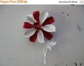 ON SALE vintage. ENAMEL. red. Brooch. white. Flower. weiss. 1960s.