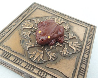 Chocolate Frog,Harry Potter,Inspired,Pendant,Handmade,Eyes,Gems,Honeydukes,Jewelry,Necklace,Wizard,Candy,Sweets,Magic,Spells,Hermione,Ron