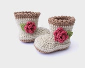 crochet baby booties, flower baby shoes, baby girl boots, newborn girl shoes, crochet shoes