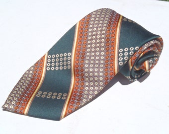 Vintage 1970s Wide Green Polyester Tie with Tan and Gold Pattern