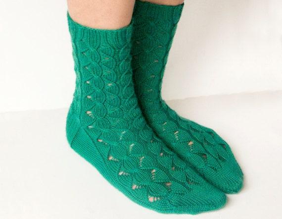 Knitting Pattern Women s Socks : PDF Knitting Pattern - Waterfall Socks, Womens Cable and ...