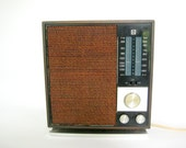 RCA solid state am fm radio, Vintage AM FM radio, 1950's table top radio, vintage electronics, Mid Century rca radio,Mid Century electronics
