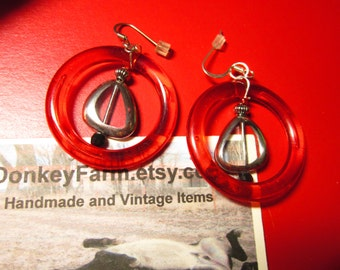 Marvelous Mod Earrings in Red with Clear Drops