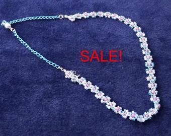 SALE! Dainty Daisy necklace
