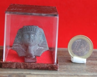Dollhouse miniature Egyptian find mask under dome