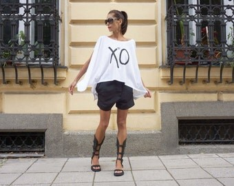 "New Printed Loose Blouse / White Oversized Top / Cotton Casual ""XO "" Summer top by AAKASHA (0334) A12451"