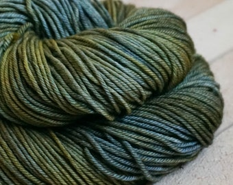 croc - hand dyed DK weight yarn - 4 ply - 100% SW merino