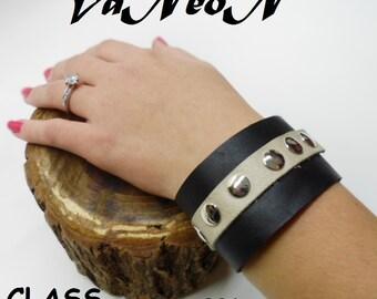 braccialetto donna in vera pelle  con borchie MADE IN  ITALY