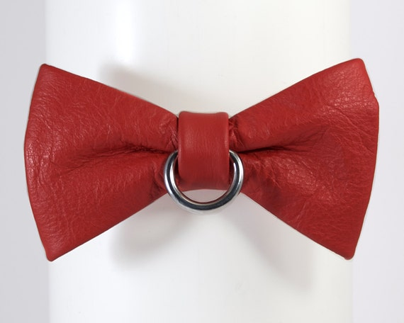 Leather Bow Tie Locking Collar