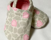 Wild at Heart Crib Shoes, Soft Sole, Booties, heart warrior, valentine, animal print, giraffe, cheetah, gray, pink, baby toms, robeez, CHD
