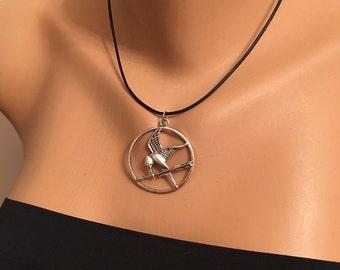 Antique Silver Circle Bird Arrow Charm Pendant, Antique Silver Bird Necklace, Leather Cord, Angemiel Men , The Hunger Games Movie Necklace