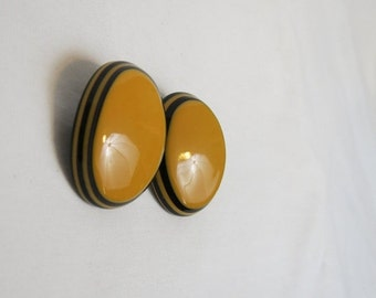 On Sale 30% Off Women's Yellow & Black Vintage 80s Oval Color Block Stud Earrings