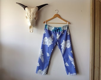 Womens hibiscus Cotton Pants.Size 8 to 10.