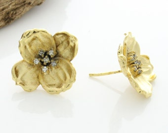 Flower Earrings, Flower Post Earrings, Gold Plated CZ Flower Stud Earrings , Gold Stud Earrings, Flower stud earrings, CZ flower earrings,