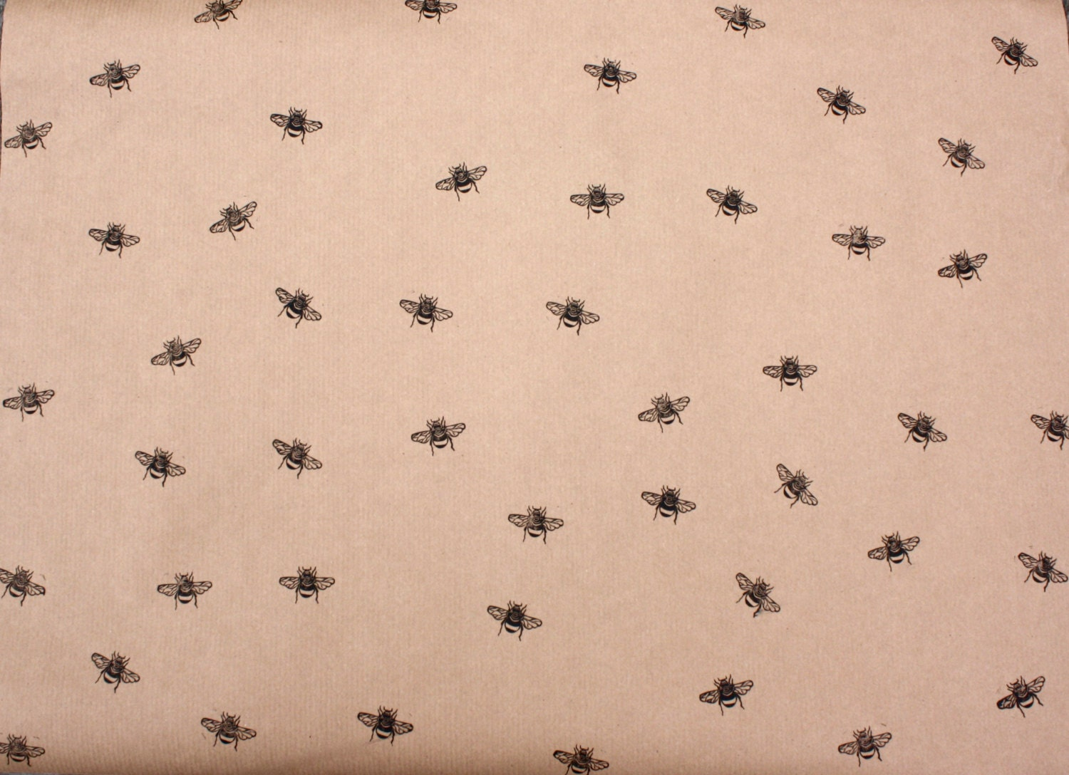 bumble bee wrapping paper gift wrap sheet insect. Black Bedroom Furniture Sets. Home Design Ideas